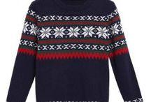 Pullover mit weißen Sternen