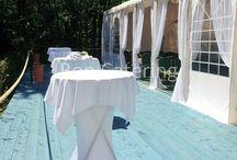Свадьба в шатре с Бон Кейтеринг / Вместимость для фуршета: до 200 человек. Вместимость для банкета: до 80 человек. Количество парковочных мест: 30. Расположение: 5 км от города.