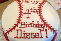 Baseball cake / by Holli Keenan