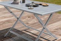 Mobilier compact & pliable / Pliable et Compact, découvrez dans ce tableau nos tables de jardin très utiles pour les petits espaces ! Que se soit pour votre terrasse, balcon ou jardin laissez-vous tenter par leur look design !