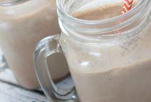 Chocolate milkshake / Chocolate milkshakes are yummy!!