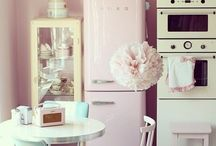 Casa rosa   Pink House / A Pantone anunciou que Rose Quartz é a cor do verão 2016! Vamos nos inspirar?