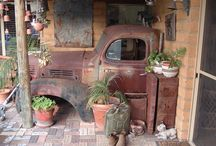 Roes in vrede ( Rust in peace) / Abandoned old cars and trucks