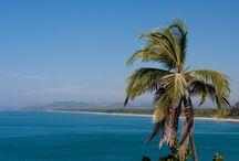 Las mejores playas de la India / Diversos tipos de Arena, agua, botella de cerveza,ambiente romántico y mejor comida son todas las combinaciones se puede esperar cuando se desea viajar a las playas de la India.