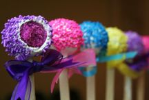 Cake Pops / I absolutely love the way these little whimsical cakes look.