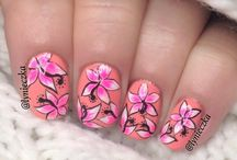 Beautiful Nails ♥ / by Dalia Hettfield
