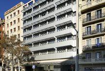 Hcc lugano / Situado junto a la Fira de Barcelona, Plaza Espanya, se encuentra el último hotel de nueva construcción de la cadena HCC Hotels en plena Avinguda Paral·lel en la confluencia con la calle Entença