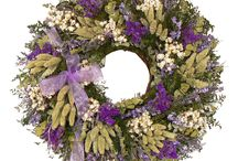 Fresh Holiday Wreaths / Welcome guests with the fresh scent of the season and discover your unique wreath style.