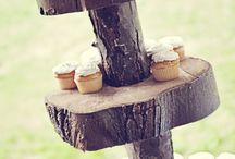 Rustic Wedding Cupcakes / Everyone loves cupcakes, on this board is some tasty cupcakes ideas for your rustic wedding.