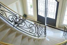 Escaleras / Stairs / Escaleras de casas de Argentina. Diseños de variados estilos. Inspirate, conocé estudios de arquitectos y contactalos a través de nuestra web. www.portaldearquitectos.com