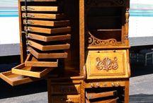 American Oak / American Oak Furniture, Tiger Oak, Quarter-Sawn Oak, Victorian Oak, Edwardian Oak.
