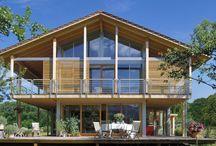 Ökohaus / Unsere Baufritz-Häuser haben alle eines gemeinsam: Sie sind zu 100 Prozent Ökohäuser. Denn Ökologie und Gesundheit sind bei uns keine Floskeln, sondern maßgeblicher Bestandteil unserer Lebens- und Unternehmensphilosophie. Unsere Ökohäuser sind das ideale Haus für alle, denen Ökologie, Energieverbrauch und die Gesundheit der eigenen Familie wichtig sind.