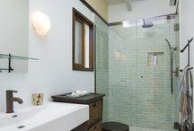 Bathrooms / by Yvonne Bosquez