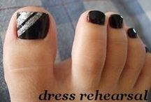 Toe nail polishes