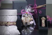 superschöne Weihnachtsgeschenke für Hund und Frauchen / Noch kurzfristig im AYASSE Onlineshop tolle Produkte für Weihnachten bestellen! Montag bestellen und mit Express noch unterm Weihnachtsbaum, nur innerhalb Deutschlands. www.studio-ayasse.com
