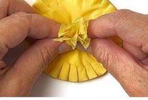 Flores de papel de tejido fino