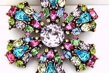 Vintage Brooches / A selection of unique and fantastically sparkly vintage brooches to add glamour