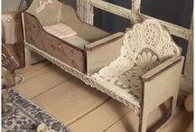 dollhouses and furniture *antique*