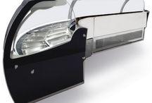 Linea Royal Exclusive Vetrina per Gelateria / La linea Royal Exclusive è una vetrina professionale, emozionante per le forme rotonde ed accattivante per l'esposizione inclinata. Un insieme di design ricercato ed alta tecnologia al vostro servizio. http://www.emmellearredamenti.com/linea-royal/