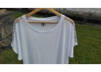 Dámská trička s krajkou / Stylová trička s aplikací strojové či háčkované krajky.  Trička jsou dělaná na míru. Dle požadavků zákazníka.