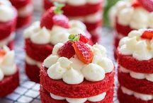 Tortas de terciopelo rojo