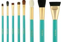 Limited Edition Brushes With Makeup by Leina