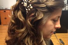 Bridal Hair - Down Styles / Inspiration for wearing your hair down on your wedding day