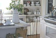 Kuchyna biela mala