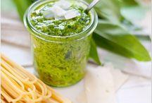 Pesto und Eingelegtes Gemüse