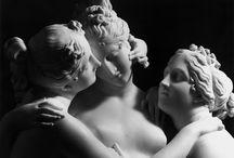 La belle Aglaé / Les trois grâces sont des déesses romaines qui représentent l'Allégresse, l'Abondance et la Splendeur. Aglaé est la plus jeune des trois et elle incarne la beauté dans ce qu'elle a de plus éblouissant : la « splendeur.