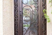Puertas de la entrada