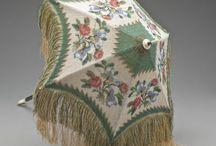Зонты, сумочки и прочее XIX века.