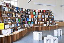 Espacios públicos con muebles recuperados - Public spaces with recovered furniture