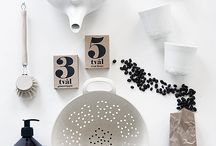 INSTAGRAM: Flat Lay Photography Inspiration / Wanting to achieve that perfect flat lay that will engage with your audince. Perfect your flat lay tips!