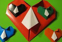 Валентинки. Подарки своими руками на День влюбленных! / Подборка мастер классов о том, как сделать валентинки из бумаги своими руками к Дню влюбленных!  Это не только валентинки из бумаги, это и закладки в форме сердечка, и сладкие валентинки из конфет, а также открытки, сумки валентинки, конветрики из бумаги и многое другое.  Я надеюсь, что эти мастер классы окажутся полезными и интересными!  #деньвлюбленных #чтоподаритьпарню #чтоподарить #своимируками #сделайсам #валентинкисвоимируками #каксделать