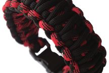 Paracord Bracelet / These high quality paracord survival utililty bracelets are one of the best ways to carry several feet of 550 paracord with you at all times. In addition to looking good, these bracelets compact several feet of life-saving survival utility cord into a stylish accessory. Capable of supporting 550 lbs, this paracord has 7 internal strands, each of which comes apart into two - so there's actually over 100 feet of thin lines of cord in every bracelet.