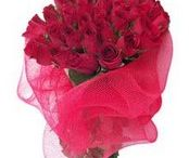 Send flowers to Cochin / This worthwhile gift containing splendorous red roses, Cake , and delightful chocolates will make you a hit with the receiver. http://www.onlinedelivery.in/flowers-delivery-in-cochin.aspx