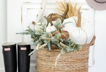 Herbststimmung / Hallo Herbst: Die goldene Jahreszeit ist da!  Lehnt euch zurück, macht es euch gemütlich und spitzt die Ohren - wir präsentieren Möbel und Accessoires mit Kuschelfaktor!
