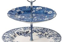 Cake stands and plates