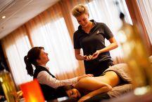 Wellness massage / De opleiding wellnessmassage leidt u op tot een volwaardig en gediplomeerd masseur. Als wellnessmasseur kunt u vervolgens werken bij een wellnesscenter of spa, sportschool of in uw eigen praktijk!