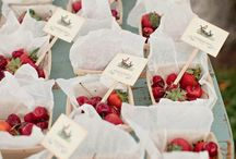 Summer Wedding Favors / Great gift ideas for guests at your summer wedding! / by The Merry Spinster