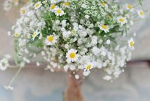 wildflower wedding: bridesmaids bouquet