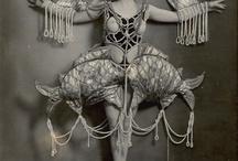 People & Costumes Extraordinaire