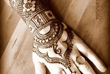 Henna tattoos (mehndi)