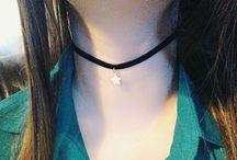 bijoux / https://www.vinted.fr/accessoires/colliers/29547877-collier-ras-de-cou-etoile-blanche