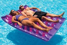 Rafts & Floats / www.pooltoys.com