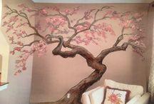 Stromy na stene