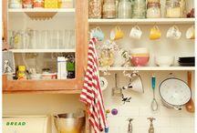 Kitchen / by Lara Abrams