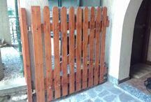 2 cancelli in legno / -Cancello eseguito in legno di abete misura 300 cm x 150 h cm  -Cancelletto 120 cm x 100 h cm