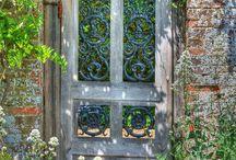 Gardens & Backyards / by Danielle Marie